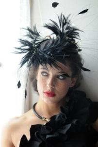 Plumas, plumas, plumas (Moments Wedding Blog