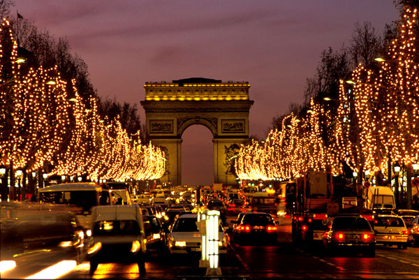 Champs-Elysees-with-Christmas-Lights