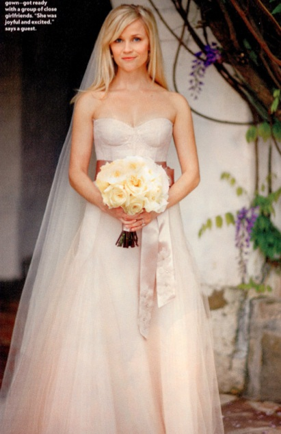 reese-witherspoon-wedding-gown-2