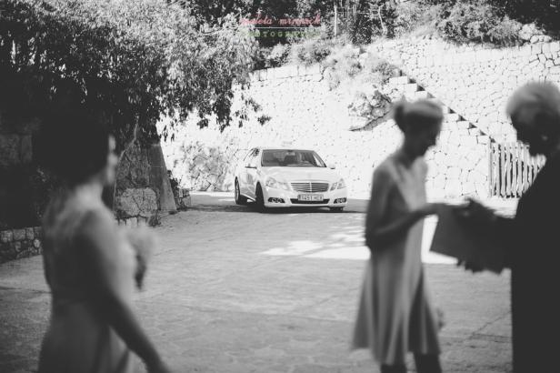Novia llega a la boda