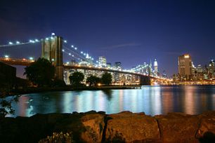 350px-Brooklyn_Bridge_at_Dusk